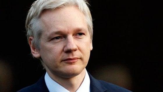 Assange nel 2010 chiese il visto per la Russia