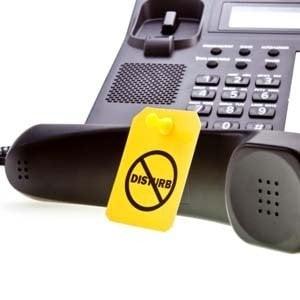 Energia e telefono: le cinque bufale più diffuse a danno dei consumatori