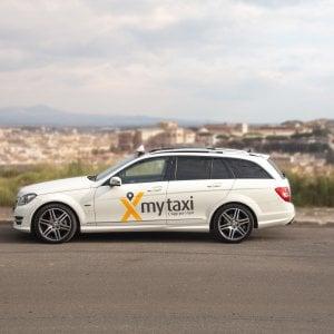 Taxi, con l'utilizzo delle app dedicate meno tempi di attesa e più corse