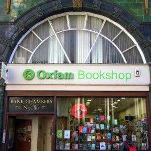 Oxfam denuncia: i colossi farmaceutici sottraggono 3,7 miliardi di tasse