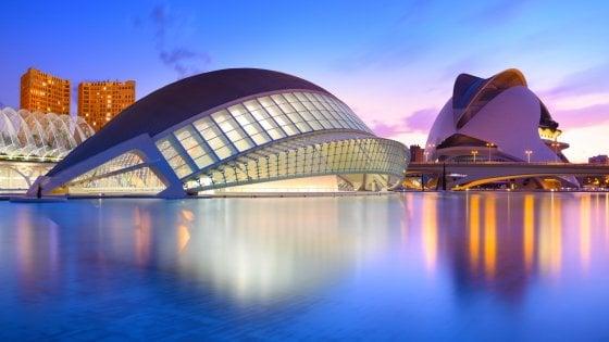 Volare a Valencia, città che ama il passato e il futuro