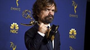 Emmy, cinquina per Mrs. Maisel ma è 'Il trono di spade' la migliore serie drammatica foto