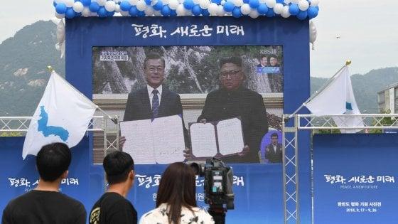 Coree le firme di Kim e Moon per bloccare sito nucleare e base per i missili