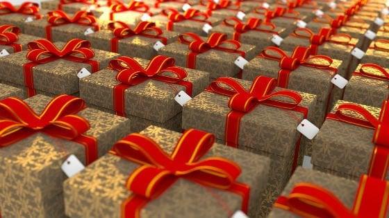 Natale, chi spende di più è meno stressato