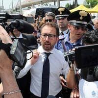 """Legittima difesa, Bonafede: """"Competenza non è di Salvini"""". Ma Bongiorno: """"In casa giusto..."""
