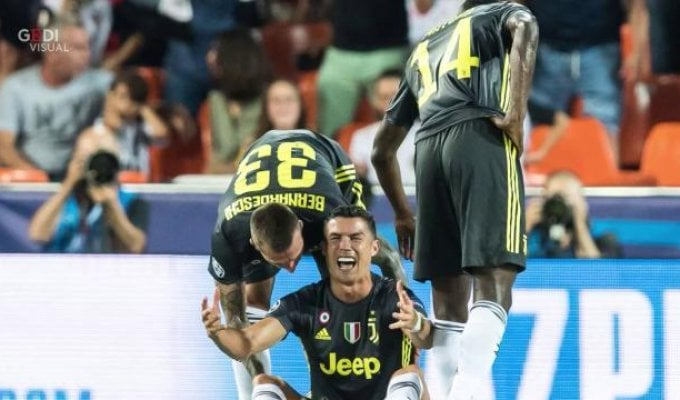 Ronaldo espulso, ma super Juve: 2-0 a Valencia