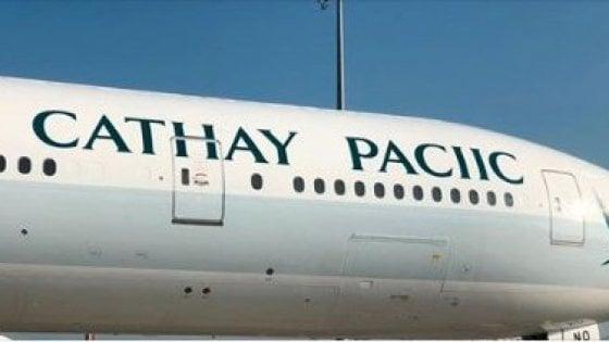 Cathay Pacific, errore di ortografia su un aereo: il nome della compagnia diventa 'Cathay Paciic'