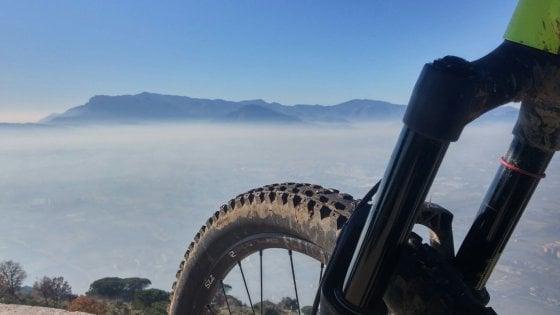 L'appetito vien pedalando: il Lazio in 10 tappe del gusto da scoprire in bici