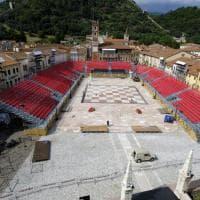 Marostica, la Piazza degli Scacchi diventa pista di ghiaccio per i campioni del pattinaggio