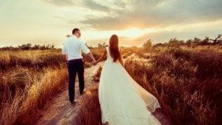 Matrimonio all'italiana, una sposa su quattro compra online