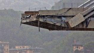 """Un test sul ponte Morandi il 30 giugno. """"Il viadotto oscillava di 11 centimetri al transito dei tir"""""""