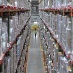 Consumi, il commercio online viaggia a velocità quadrupla rispetto ai negozi fisici
