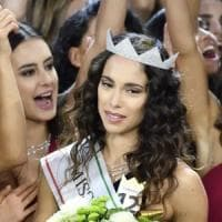 Spuntano foto osé di Carlotta Maggiorana, Miss Italia rischia di perdere