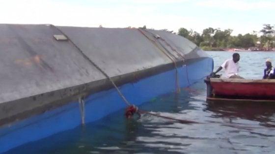 Tanzania, sale a 86 morti bilancio traghetto ribaltato