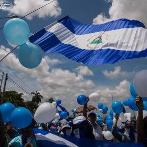 Nicaragua, l'ex guerrigliero sandinista Ortega accusato di violentare i diritti umani dei cittadini