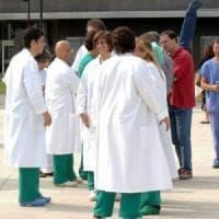 Catanzaro, deve accudire il figlio malato: i colleghi le donano le ferie