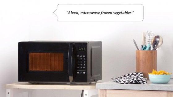 Da Amazon un'invasione di gadget, in arrivo anche un forno a microonde