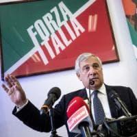 Forza Italia si rilancia a Fiuggi. E attacca Bannon: