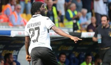 Segna Inglese, Gervinho fa un eurogol Il Parma vince ancora, Cagliari ko 2-0