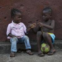 Ebola, dopo l'ultima epidemia 155 bambini orfani o separati dai genitori