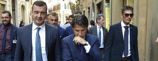 """Minacce al Mef, Tria difende i suoi dirigenti.Ma Conte e Di Maio: """"Casalino non si tocca"""""""