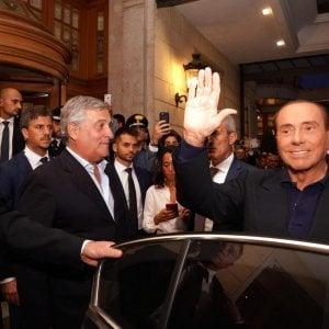 """Berlusconi  si candida alle Europee e attacca il governo: """"Un disastro"""". Conte: """"Ci lasci lavorare"""""""