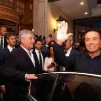 Berlusconi  si candida alle Europee e attacca il governo: