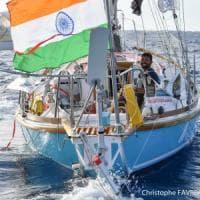 Oceano Indiano, corsa contro il tempo per salvare il velista disperso