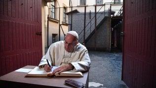 """Il Papa: """"Il Signore ci aiuti a riconoscere in tempo il germe di ideologie pericolose"""""""