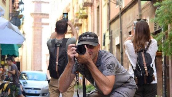 Passione Instagram, macchina fotografica o cellulare per cogliere le bellezze della Sardegna