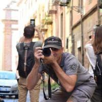Passione Instagram, macchina fotografica o cellulare per cogliere le bellezze