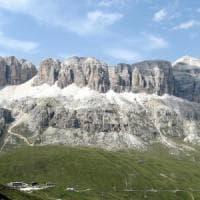 La contesa della Marmolada, il Veneto riunisce in vetta il consiglio regionale