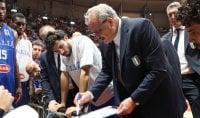 """Sacchetti: ''Social e cellulare, no durante una partita"""""""