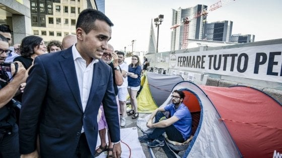 """Manovra, Di Maio: """"No tagli alla Sanità, via i dirigenti politicizzati. Faremo come la Francia, deficit al 2,8"""""""