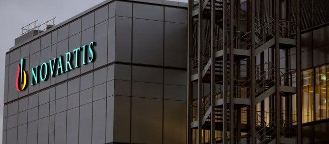 Novartis taglia 2mila posti di lavoro in Svizzera