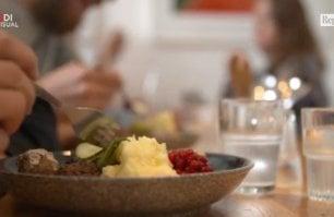 Svezia, il ristorante  antispreco di Malmö: si serve solo cibo in scadenza