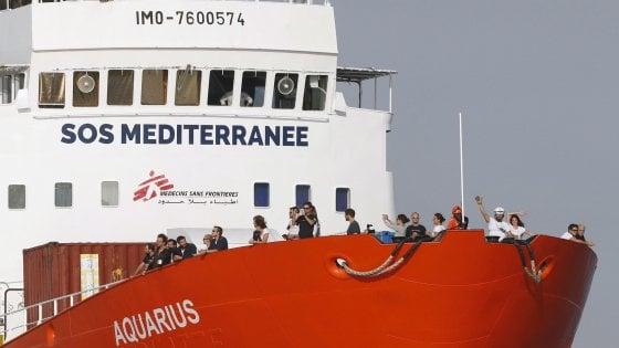 Soluzione a quattro per la Aquarius.  A spartirsi i 58 migranti Francia, Spagna, Portogallo e Germania