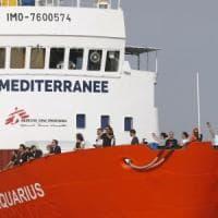 Soluzione a quattro per la Aquarius.  A spartirsi i 58 migranti Francia, Spagna,...