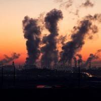 Diossido di carbonio, ogni tonnellata prodotta ci costa in media 417 dollari