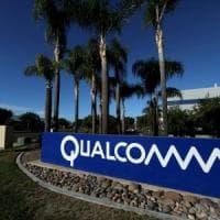 """Qualcomm accusa Apple: """"Ruba segreti e li passa a Intel"""""""