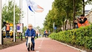 In Olanda la pista ciclabile fatta con gli scarti della plastica