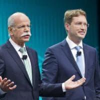 Daimler: lascia dopo 20 anni nella casa il presidente Zetsche