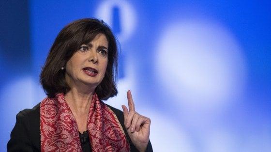 """Boldrini e il posto rubato sul volo Alitalia: """"Denuncio chi ha diffuso la bufala"""""""