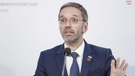 L'Austria censura la stampa, ministro sotto attacco