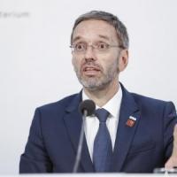 L'Austria censura la stampa, proteste