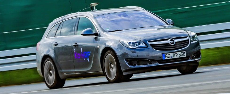 Opel, la guida semi-autonoma entra in una nuova era