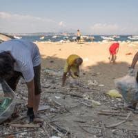 """""""Via i rifiuti e i pregiudizi è ora di pulire il mondo"""""""