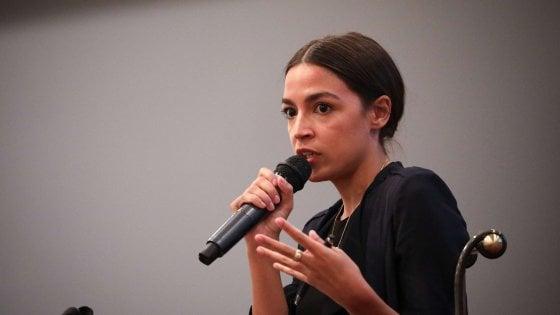 """Alexandria Ocasio-Cortez, il volto nuovo che infiamma i giovani: """"Se non cambiamo Trump vincerà"""""""