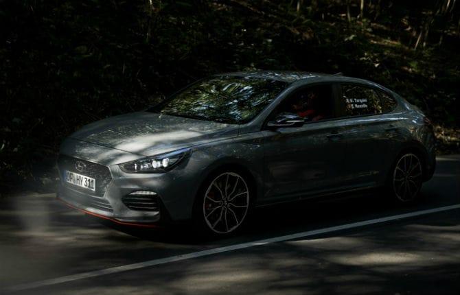 """""""Rome-Paris in 8 minuti"""", è record per Hyundai i30 Fastback N"""