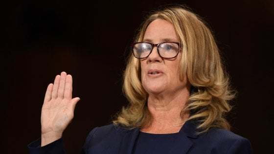 """L'accusatrice di Kavanaugh: """"Ha provato a stuprarmi, pensavo mi uccidesse"""""""